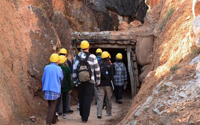 Старый рудник по добыче фосфоритов в США.
