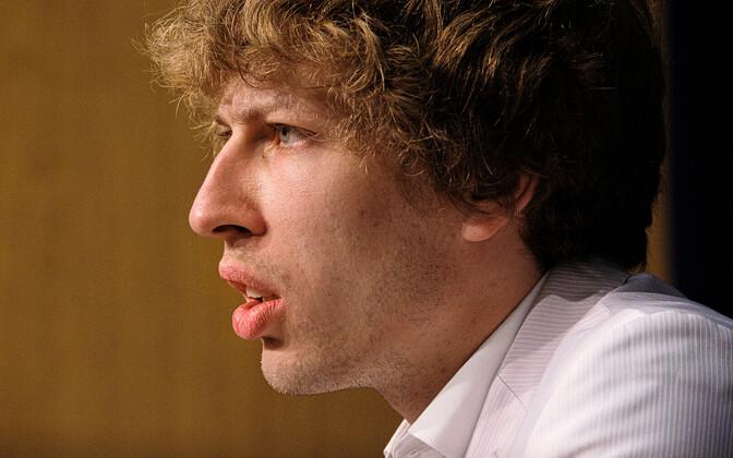 Tanel Kiik at a press conference.