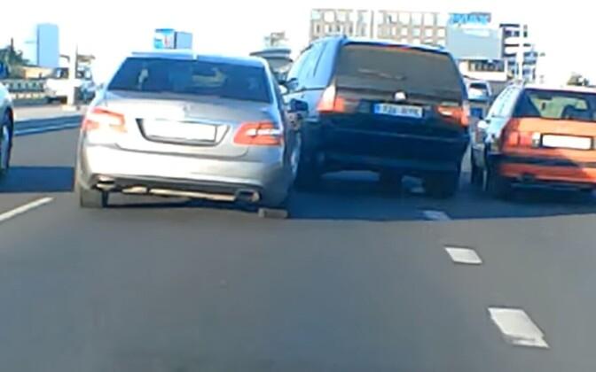 Опасные маневры на Петербургском шоссе.