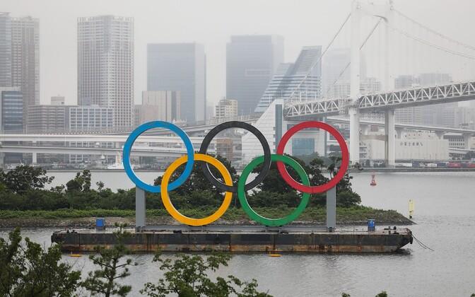 Olümpiarõngad Tokyo linnas