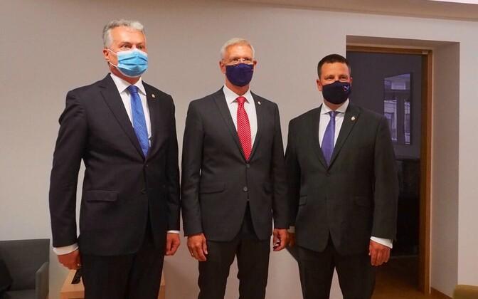 Leedu president Gitanas Nauseda, Läti peaminister Krišjanis Karinš ja Eesti valitsusjuht Jüri Ratas.