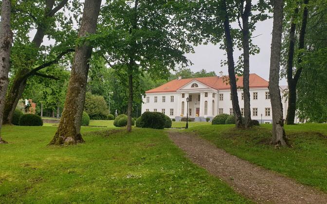 Voltvet Manor.