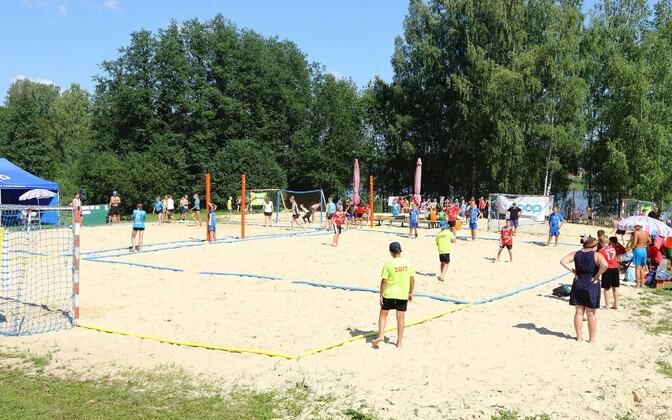 Põlva järve ääres toimuvale rannakäsipalli Eesti meistrivõistluste avaetapile on oodata peaaegu 60 võistkonda.