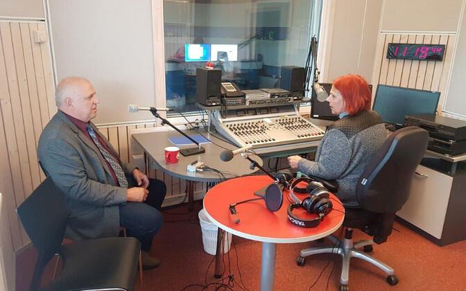 Pärnu abilinnapea Mart Järvik ja ajakirjanik Ester Vilgats ERR-i Pärnu stuudios.