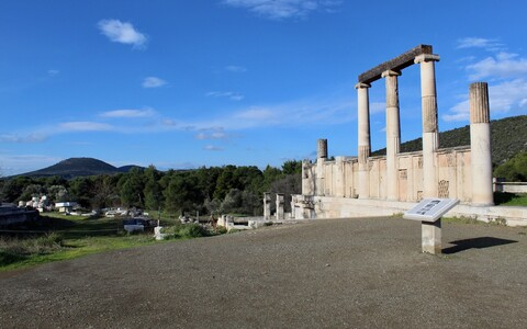 Tervisejumal Asklepiose peamise pühapaiga varemed Epidauroses.