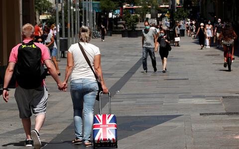 Британские туристы в Барселоне.