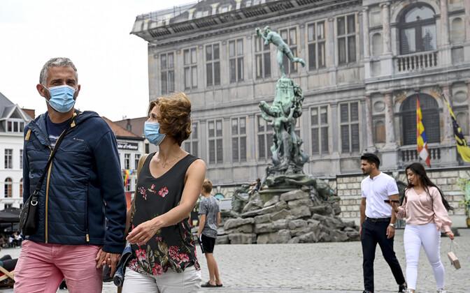 Inimesed Antwerpeni tänavatel.
