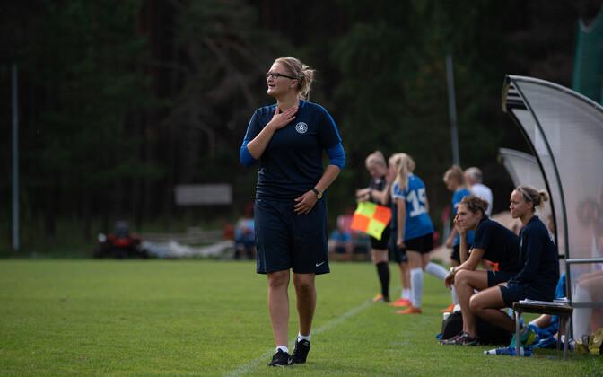 Neidude U-17 jalgpallikoondise peatreener Aleksandra Ševoldajeva.