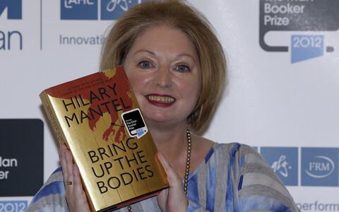 Hilary Mantel 2012. aastal pärast Bookeri preemia võitmist.