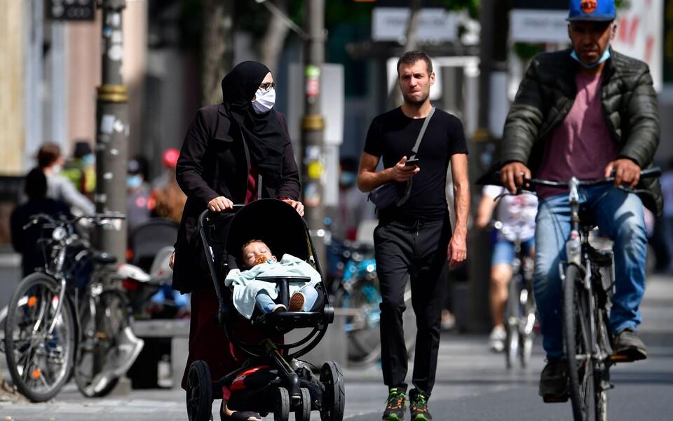 Люди в Антверпене.