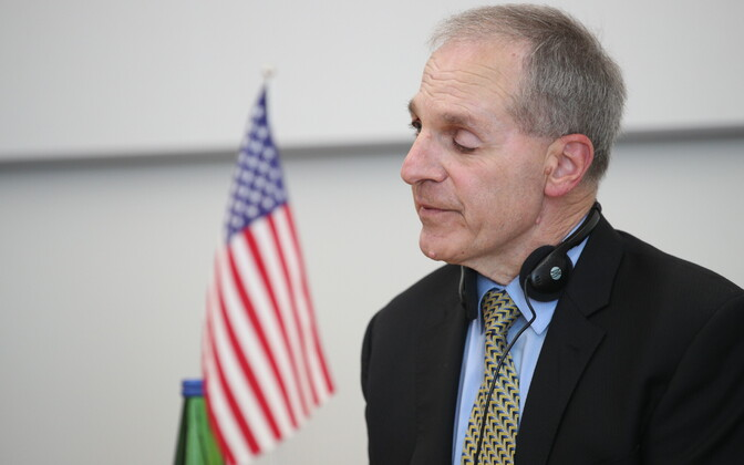Martin Helme and Louis Freeh at the press conference on July 3.