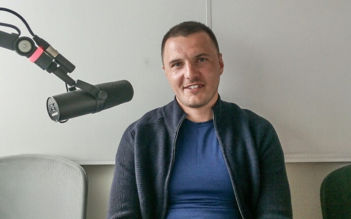Дмитрий Калашников в студии Радио 4