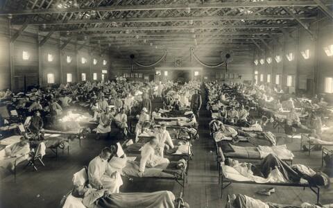 Hispaania grippi põdevad sõdurid Kansase osariigis Funstoni laagri haiglas.