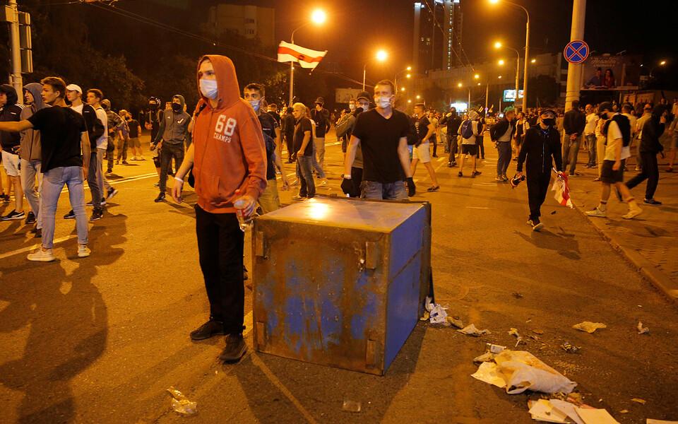 Протестующие на улицах Минска.