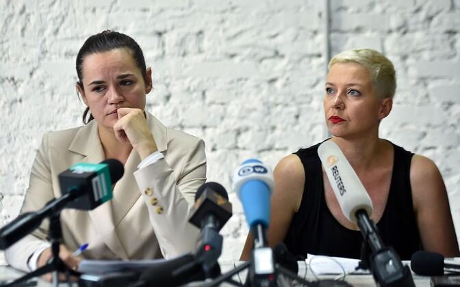 Светлана Тихановская (слева) и Мария Колесникова.