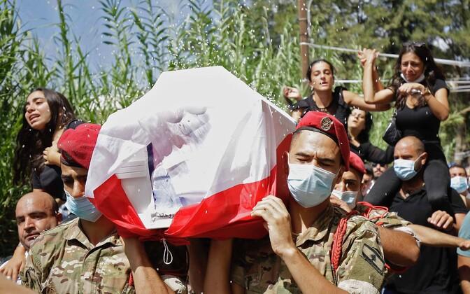 Plahvatuses hukkunu matused Beirutis.