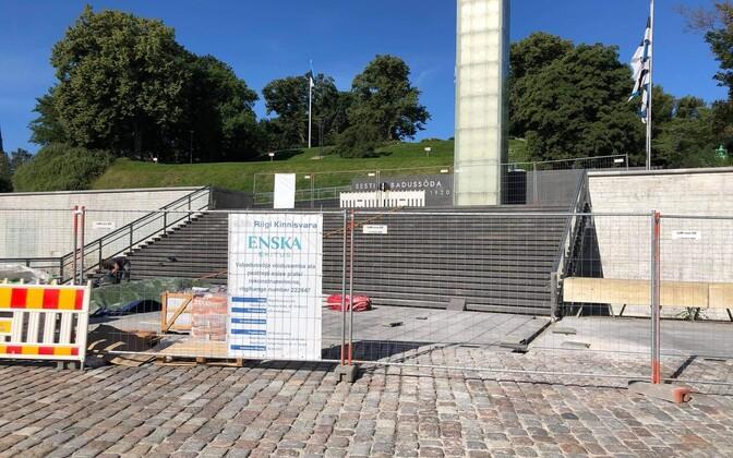 Ehitustööd Tallinnas Vabadussõja võidusamba juures