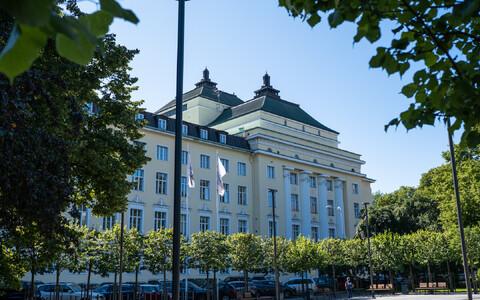 Estonia teatri fasaad, mille külge soovib rahvusooper uut samas suurt hoonet ehitada.