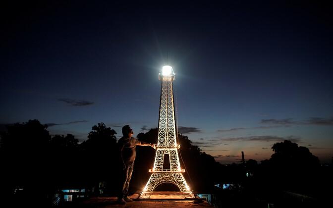 Jorge Enrique Salgado ehitatud Eiffeli torn Kuubas