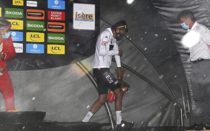 Dauphine velotuuri teise etapi lõpu rikkus tugev rahetorm