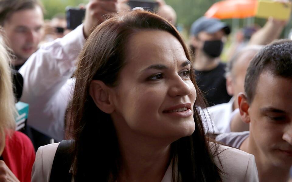 Светлана Тихановская на участке для голосования 9 августа.