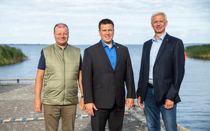Премьер-министр Литвы Саулюс Сквернялис, премьер-министр Эстонии Юри Ратас и премьер-министр Латвии Кришьянис Кариньш.