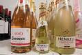 Alkohoolsed ja alkoholivabad joogid poelettidel