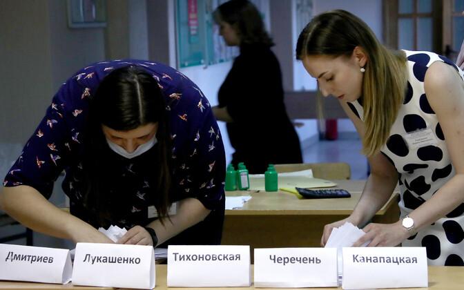 Hääletelugemine Valgevene presidendivalimiiste järel.