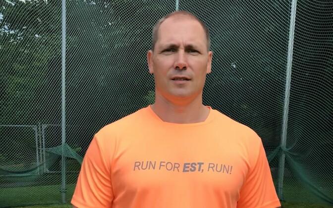 Gerd Kanter tänavuse maratoni T-särgis.