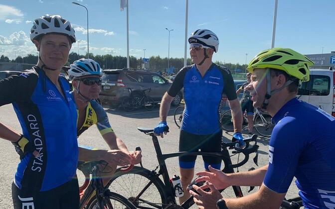 Kersti Kaljulaid EMV avatud raja sõidu stardis