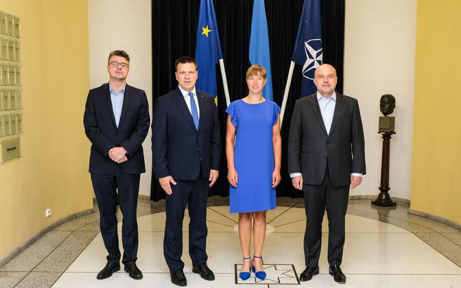 Foreign minister Urmas Reinsalu, Prime Minister Jüri Ratas, President Kersti Kaljulaid ja defense minister Luik pärast kohtumist.