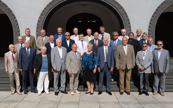 August 20 club members at Thursday's Riigikogu meeting