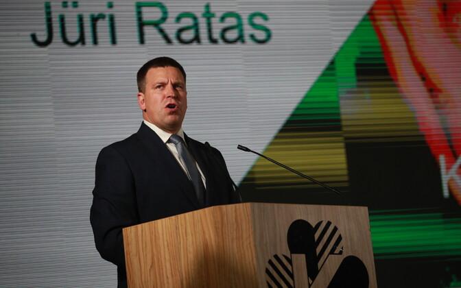 Jüri Ratas Keskerakonna kongressil kõnet pidamas.