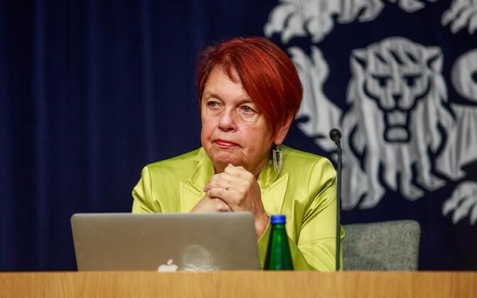 Professor Irja Lutsar at Wednesday's press conference.