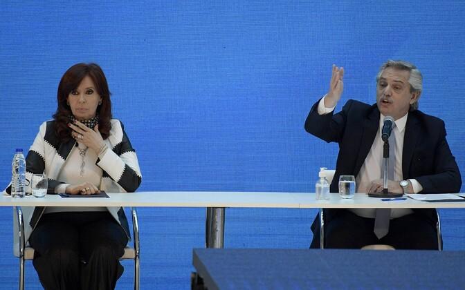 Argentina president Alberto Fernandez (paremal) ja asepresident Cristina Fernandez.