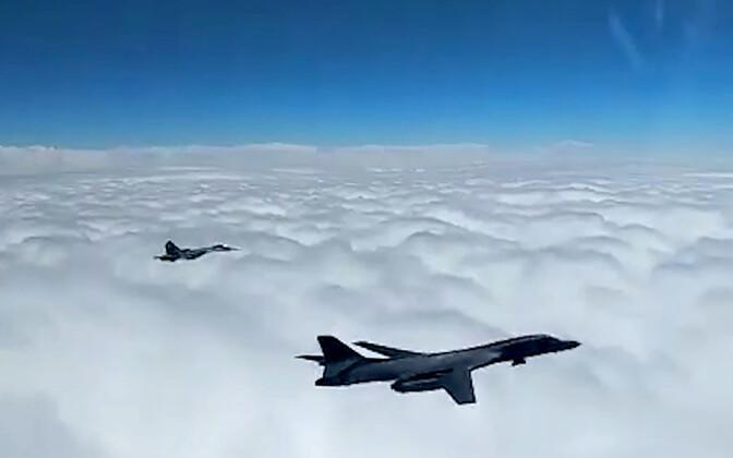 Su-27 hävitaja.