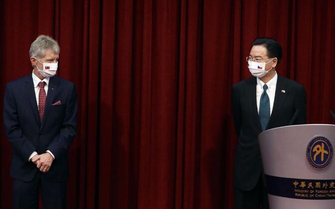 Milos Vystrcil ja Taiwani välisminister Joseph Wu.