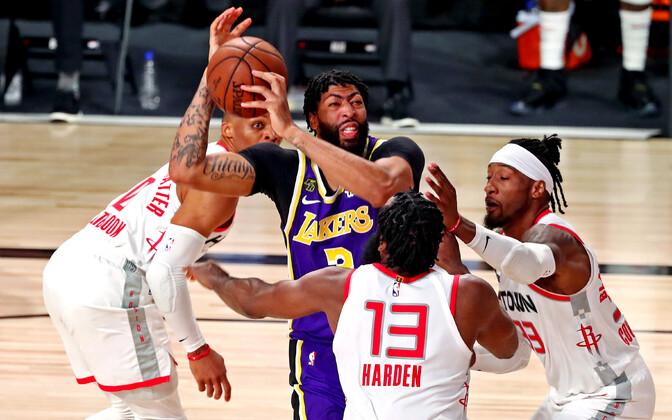 Rockets üllatas läänekonverentsi poolfinaali avamängus Lakersit