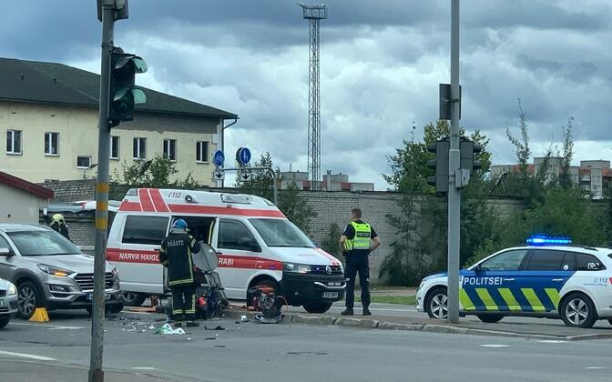 Авария произошла на перекрестке улиц Креэнхольми и Кереса.