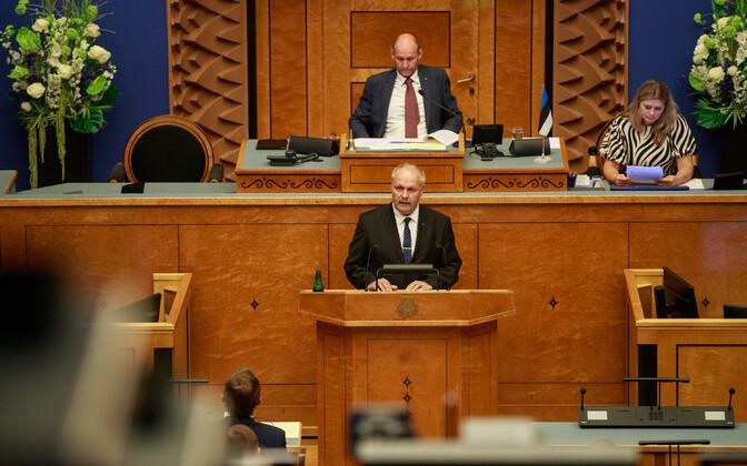 Speaker of the Riigikogu Henn Põlluaas (EKRE, foreground), deputy speaker Helir-Valdor Seeder (Isamaa) at Monday's opening of parliament.