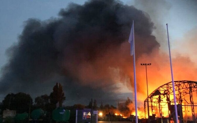 Пожар на станции по приему отходов в Сельяметса.