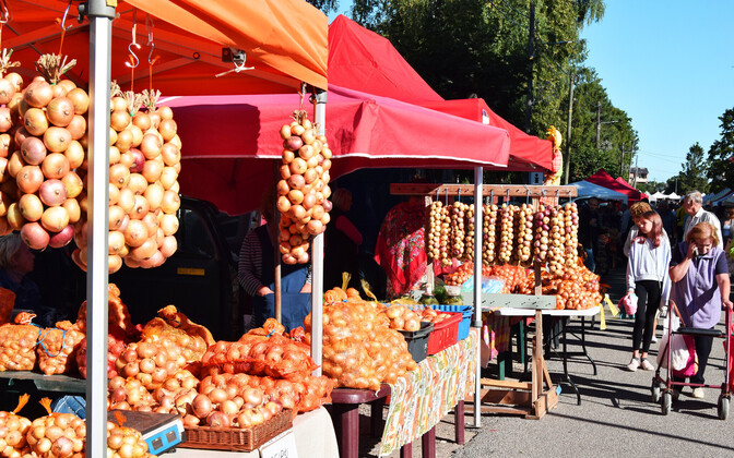 One of the Peipsiääre district's most well-known events, the Kallaste onion fair, just missed the new restrictions, having taken place in late August.