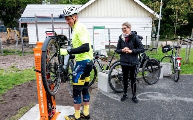 Bike repair point in action.