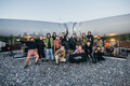 Группа Centre El Muusa записала концерт возле недостроенного ветряка в Айду.
