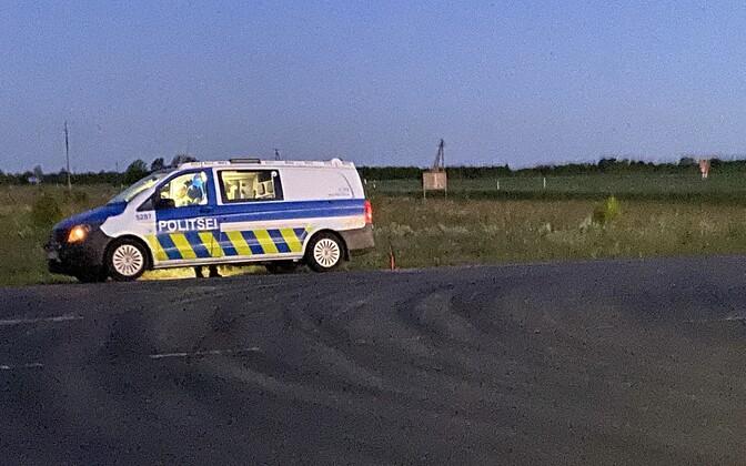 Полиция на месте инцидента со стрельбой на автозаправке Olerex, когда были убиты два человека.