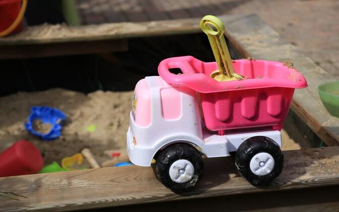 Песочница в детсаду.