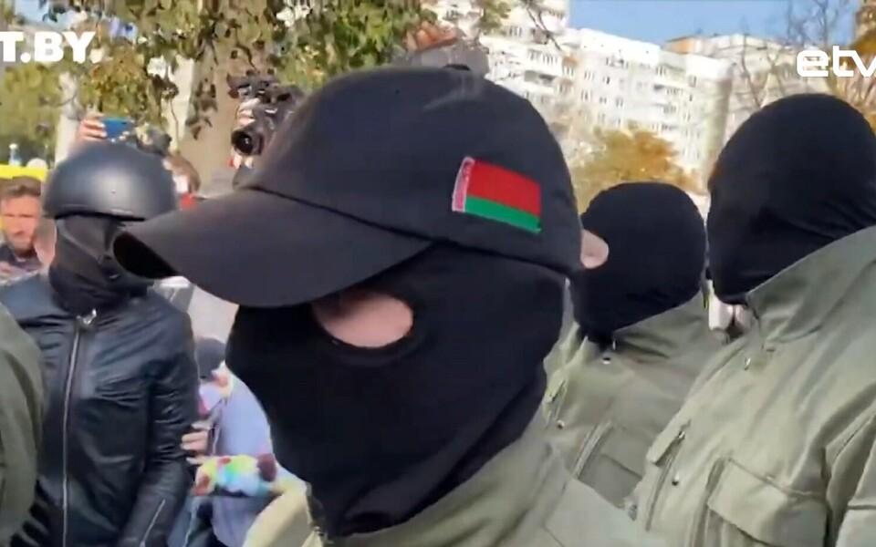 Граждане Белоруссии не спешать покидать родину и уезжать в другие страны.