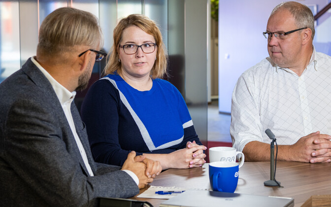 Peep Pahv (right) with ERR Sport's Maarja Värv and host Anvar Samost, discussing the Alaver case on Wednesday's
