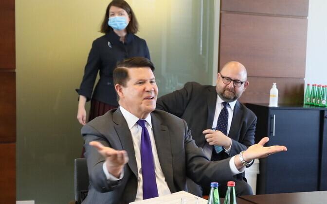 Minister of Foreign Affairs Urmas Reinsalu and Under Secretary Keith Krach at meeting in Tallinn.