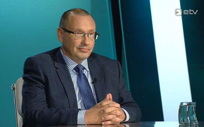 Dr. Arkadi Popov.